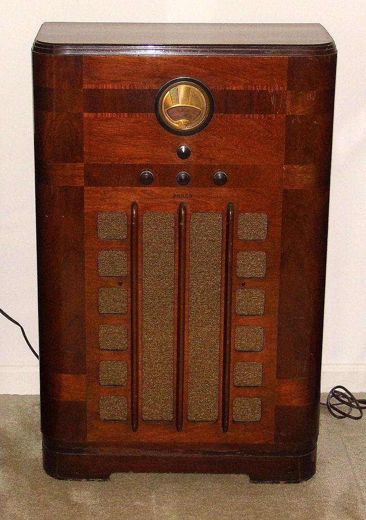 File Vintage Philco Console Radio Model 38 9k Broadcast