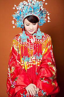 Wedding dress - Wikipedia