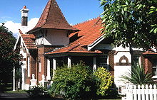 Queen Anne style architecture   Wikipedia  Vallambrosa   a Queen Anne Style house located at 19 Appian Way in the  Sydney suburb of Burwood