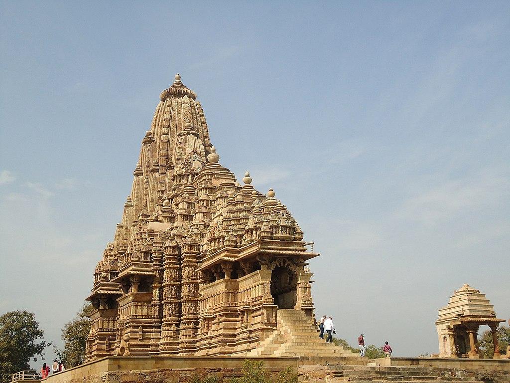 File Kandariya Mahadeva Temple Khajuraho Jpg Wikimedia