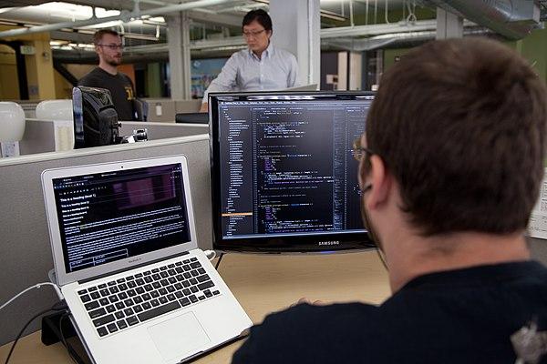 computer software developer - HD1200×800