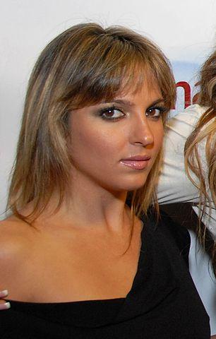 File Lexi Love 02 Fashion Show 2009 Jpg Wikimedia Commons