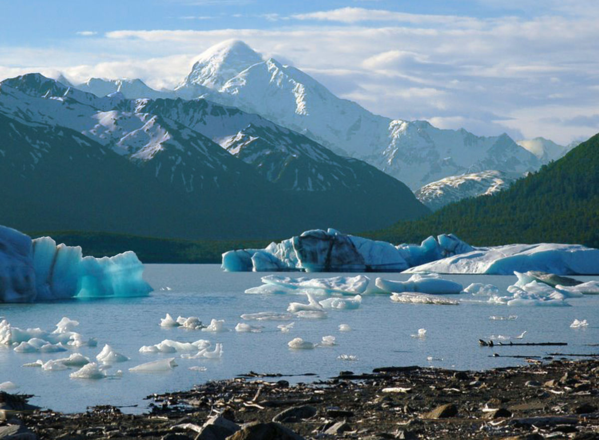 Alsek Lake Wikimedia Commons