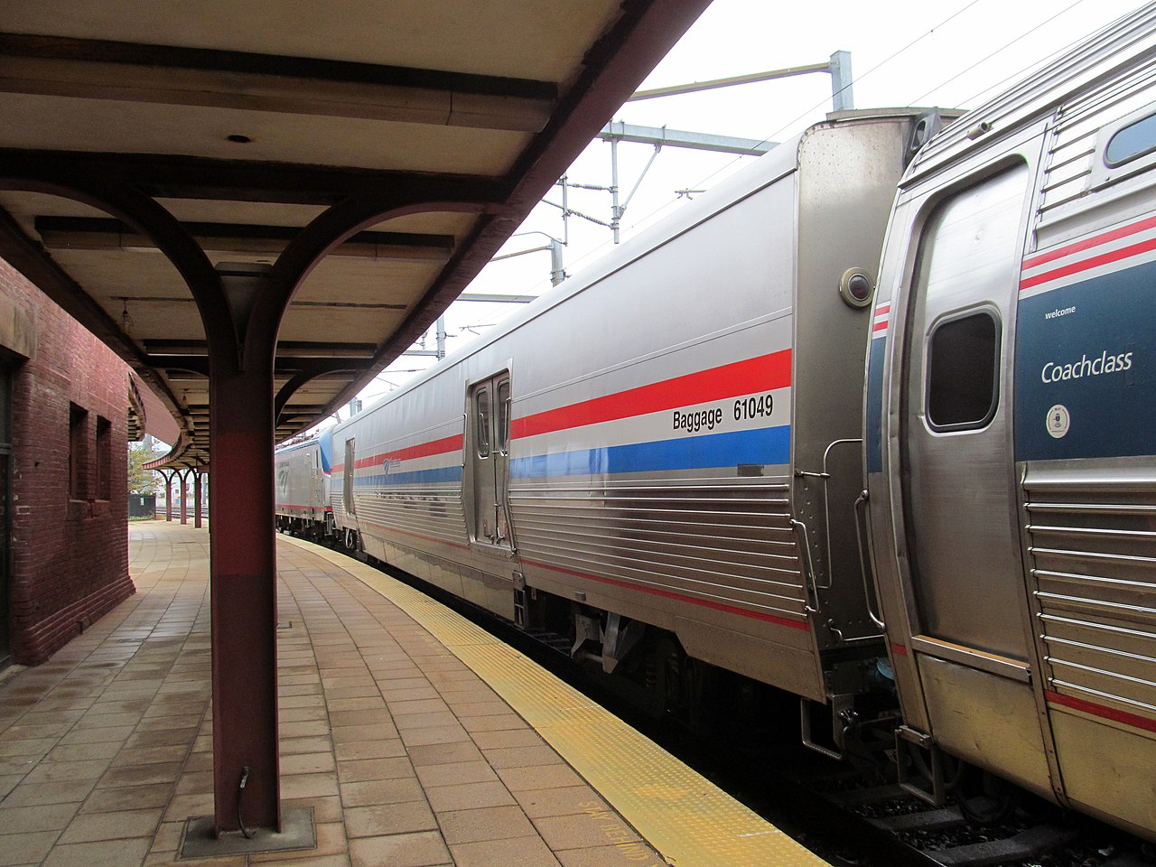 File Viewliner 61049 On Amtrak Train 66 At New London
