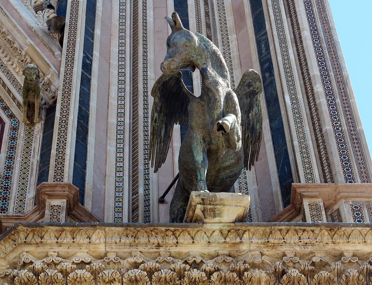 File Duomo Di Orvieto Facciata Simboli Degli Evangelisti