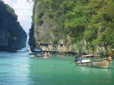 File:Phi Phi Island Tour (4297214274).jpg - Wikimedia Commons