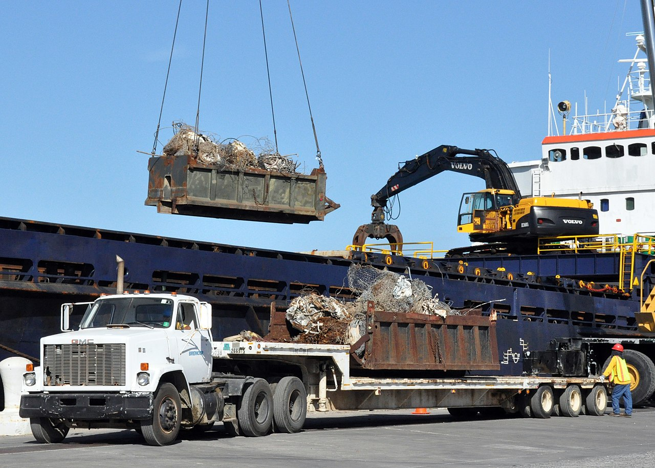 File Us Navy 101122 N 8241m 014 The Cargo Ship Mv Sydney