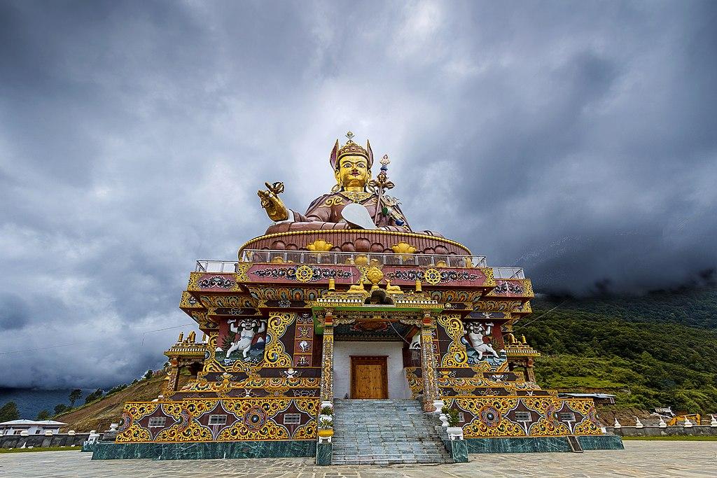 File Guru Padmasambhava Lhuntse Bhutan Jpg Wikimedia