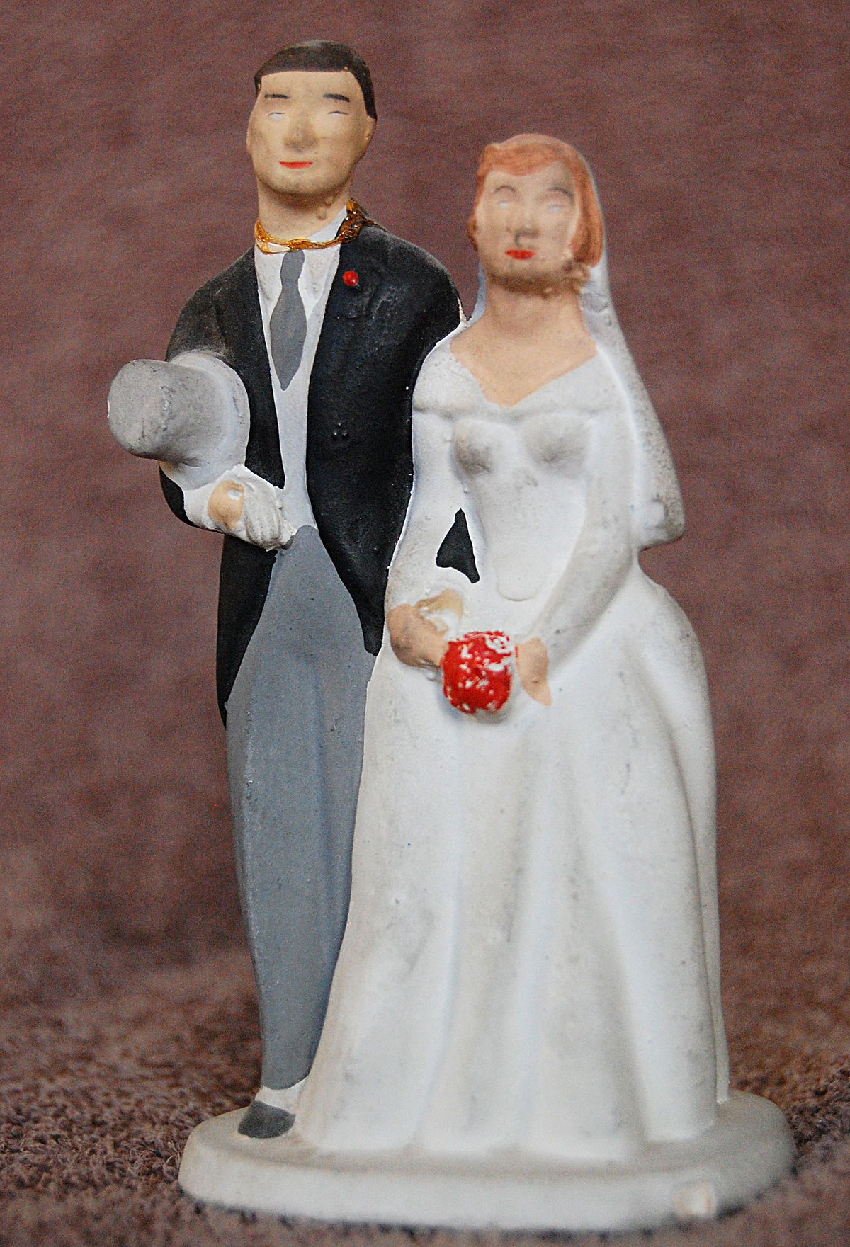 Wedding cake topper - Wikipedia