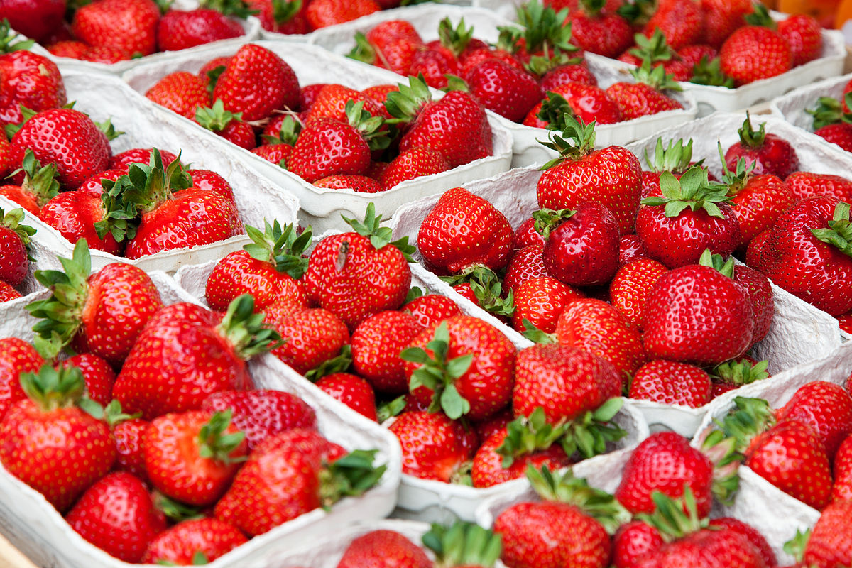 List Of Strawberry Dishes Wikipedia