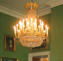 Chandelier   Wikipedia Early 19th century French cut glass and ormolu chandelier in the Green Room  of the White House