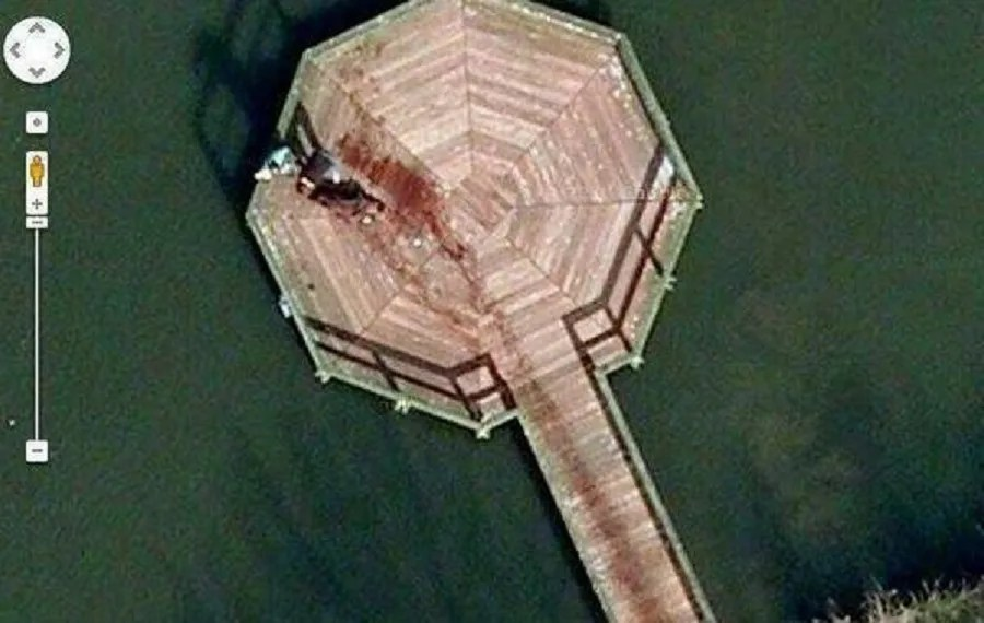 FACT CHECK  Dead Body  Google Maps 52 376552 5 198303 A Google Maps image supposedly captured a furtive body disposal