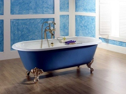 Дизайнерская чугунная ванна