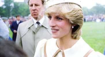 La storia e la bellezza del girocollo di perle e zaffiro di Lady Diana [FOTO]