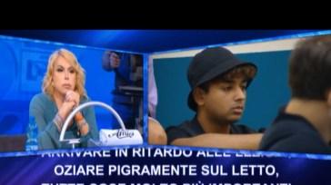 """""""Amici di Maria De Filippi"""", Anna Pettinelli elimina Inder, anche Flaza a rischio: il motivo"""