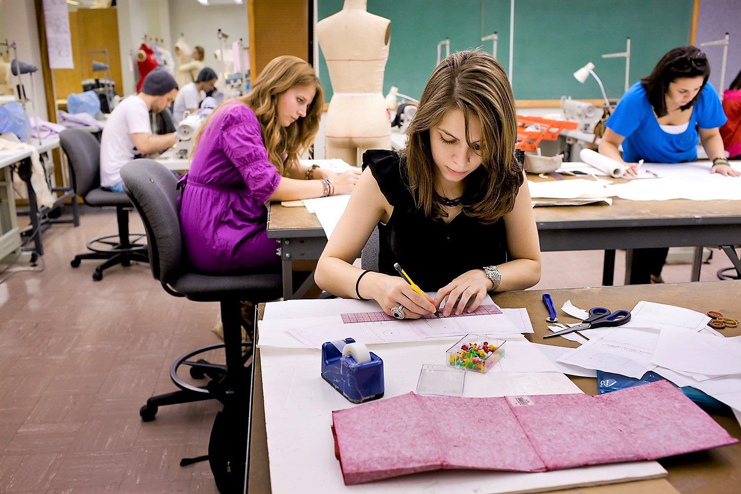 Fashion schools rankings  London remains to be the fashion capital     Best Fashion Design Schools in the World