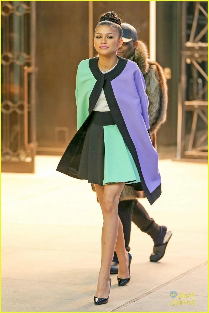 Bella Thorne Shake It Up