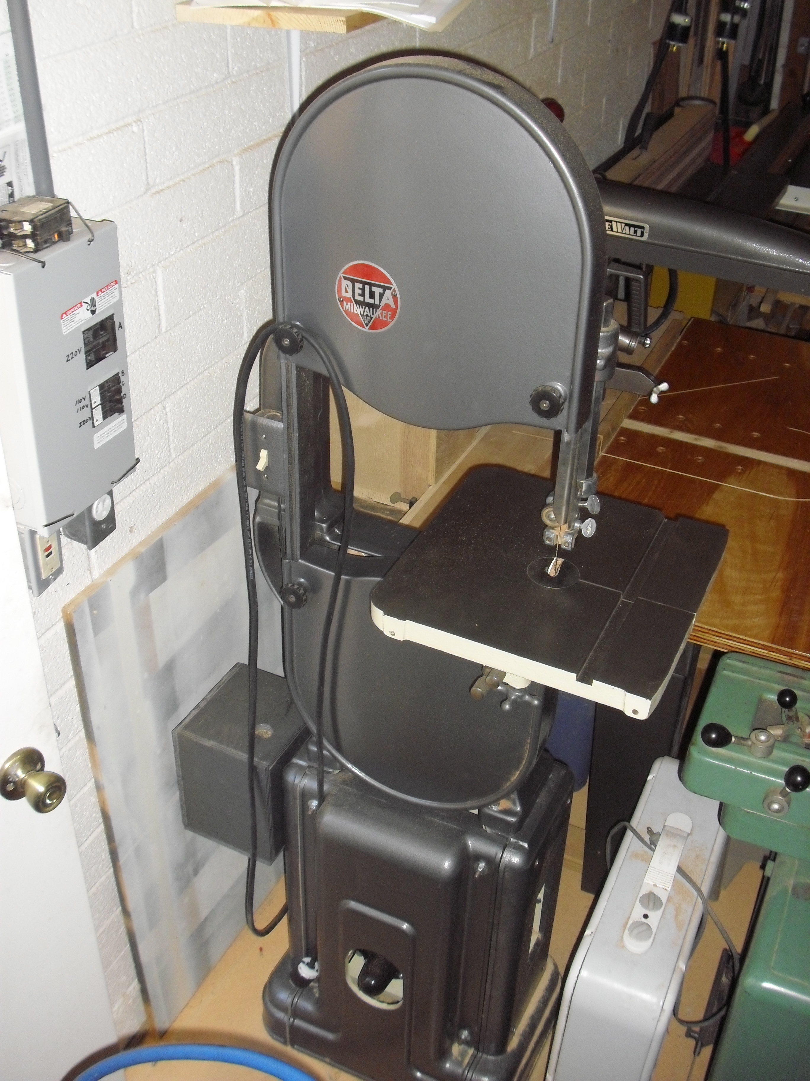 1948 Delta 14 Wood Bandsaw 28 205 Vintage Wood Shop