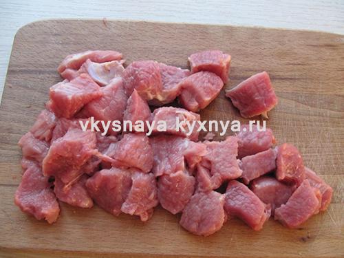 우리는 고기 조각을 적용합니다.