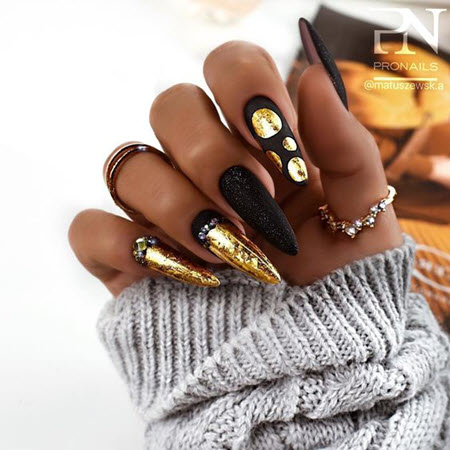 New Year's manicure 2021: more than 100 fresh photos of novelties of beautiful and fashionable nail design