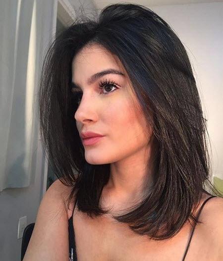As mais belas fotos de cortes de cabelo femininos em cabelos médios 2020-2021