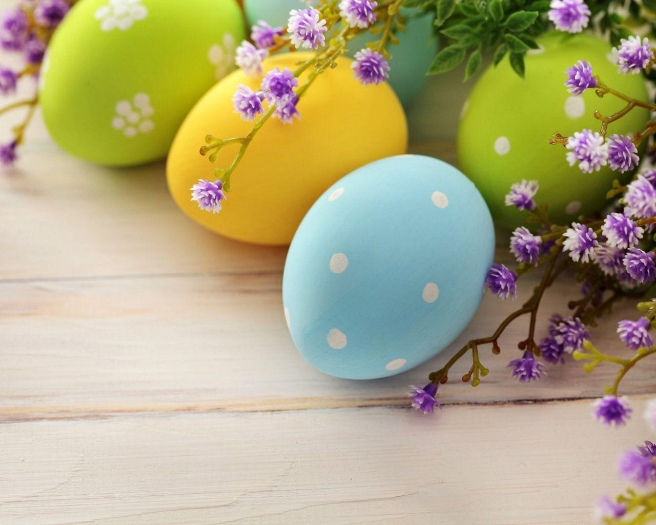 Decorating Easter Spring Wood