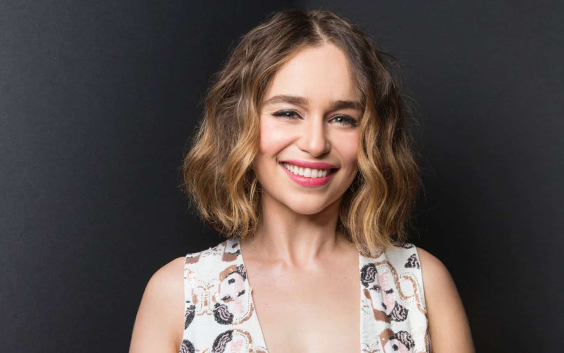 Emilia Clarke Wallpapers Images Pictures For Desktop High