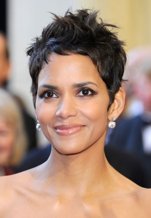 New Halle Berry Haircuts Short Long Hair Pixie Curly Hairstyles Ideas With Pictures