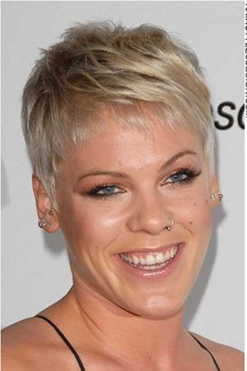 New Singer Pink Hairstyles Show Jessica In 2019 Pixie Haircut Gallery Short Pixie Haircuts Ideas With Pictures