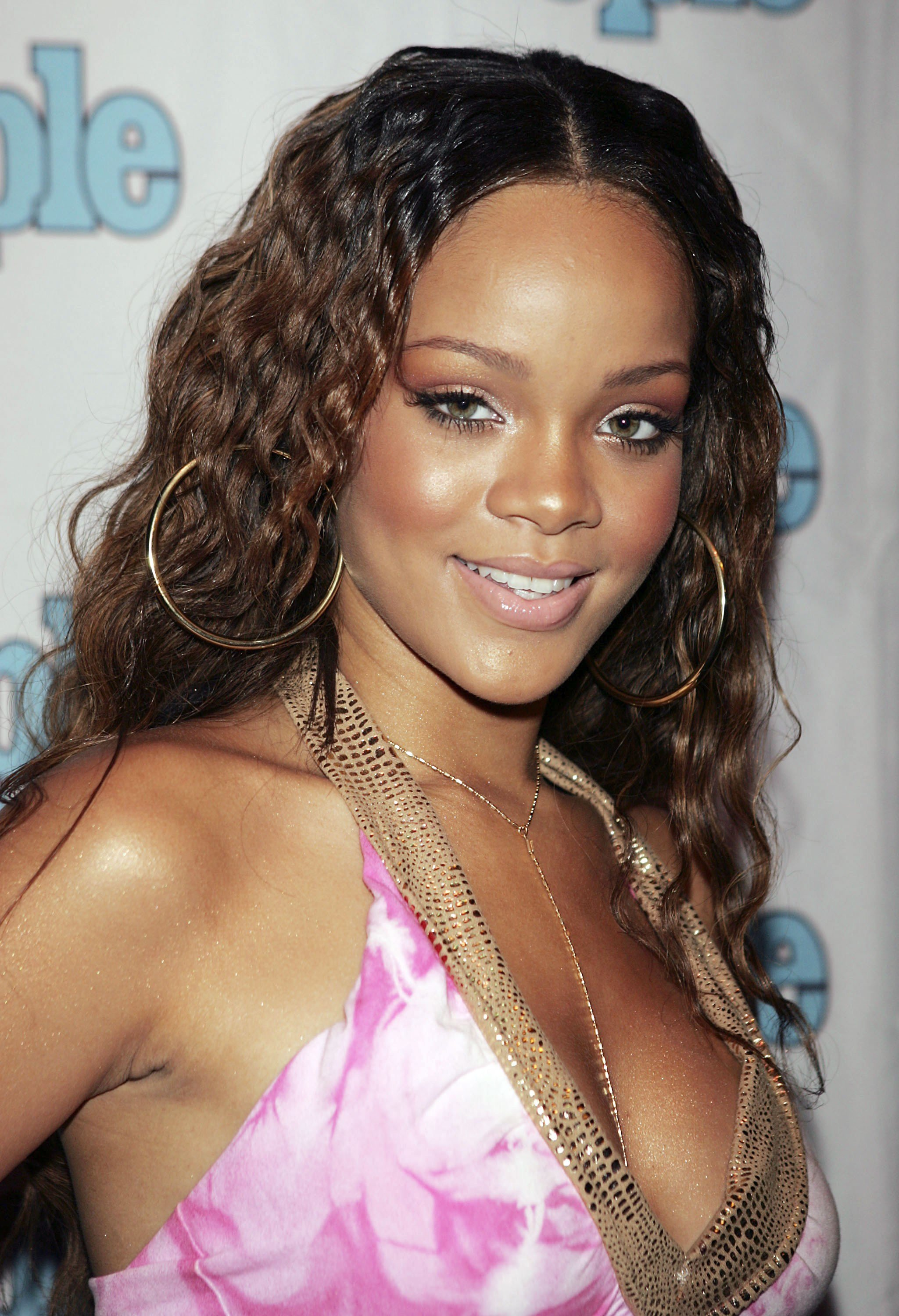 New 30 Pop Star Hairstyles That Defined The 2000S From Kelly Ideas With Pictures