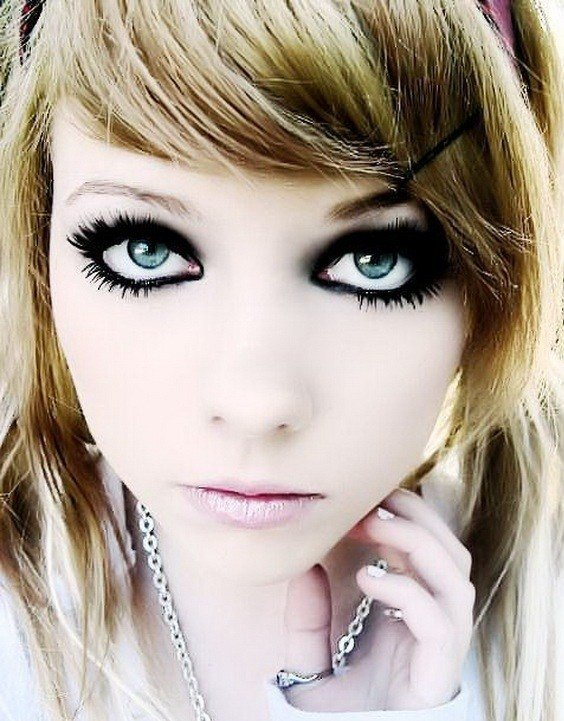 New Medium Emo Hairstyle For Girls Latest Hairs For Girl Ideas With Pictures
