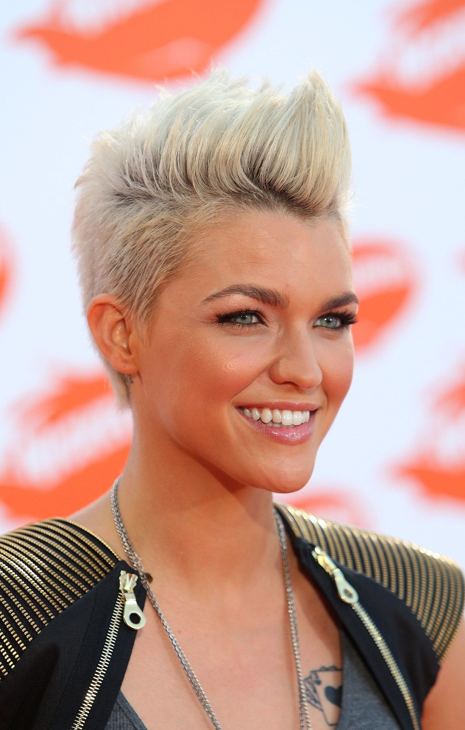 New 15 Gorgeous Mohawk Hairstyles For Women This Year Ideas With Pictures