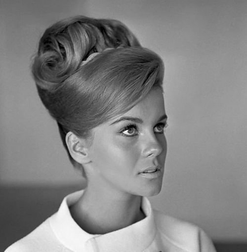 New 25 Best 1960S Hair Ideas On Pinterest 1960 Hairstyles Ideas With Pictures