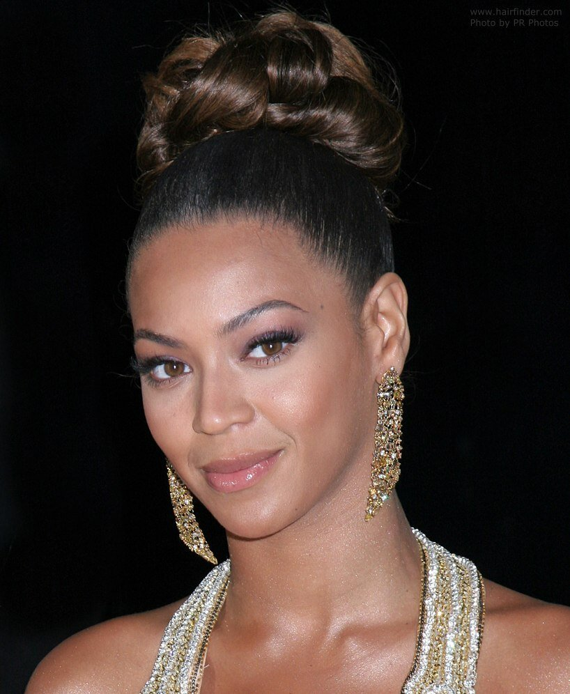 New Beyonce Knowles With Her Hair Worn Up With Curls In The Crown Ideas With Pictures Original 1024 x 768