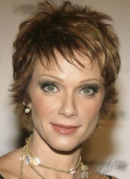 New Short Layered Hairstyles For Older Women Popular Haircuts Ideas With Pictures