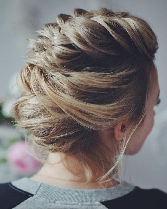 New 10 Stunning Up Do Hairstyles 2019 Bun Updo Hairstyle Ideas With Pictures
