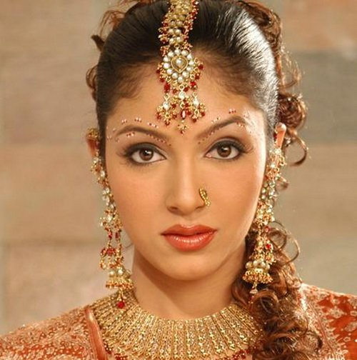 New Indian Wedding Hairstyles And Bridal Makeup Topix Ideas With Pictures