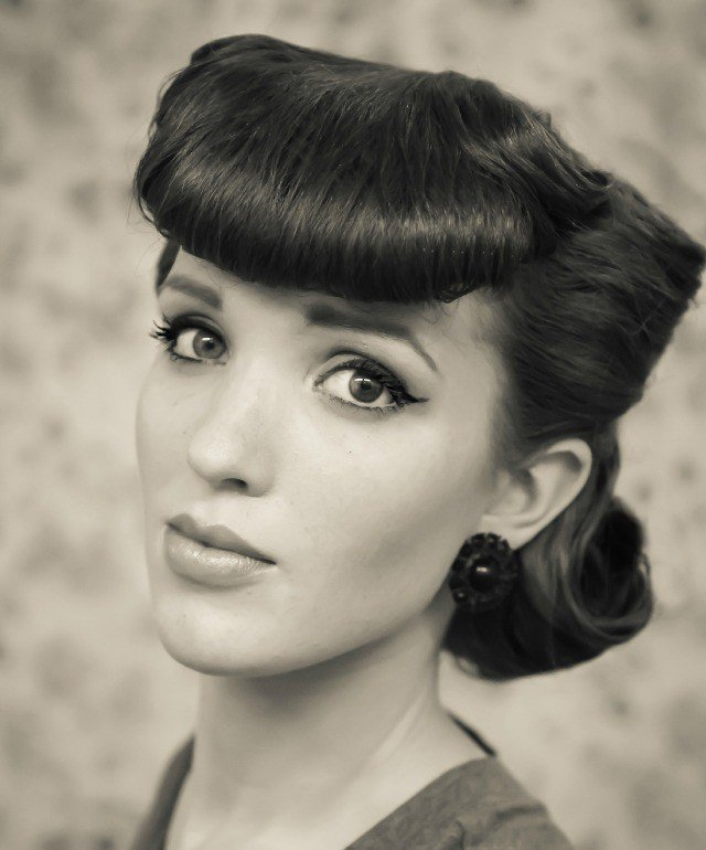 New 11 Easy Vintage Hairstyles That Are A Cinch To Do — We Promise Ideas With Pictures