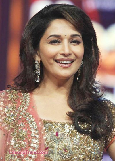 New Madhuri Dixit Hair 2019 Pictures Indian Film Actress Ideas With Pictures