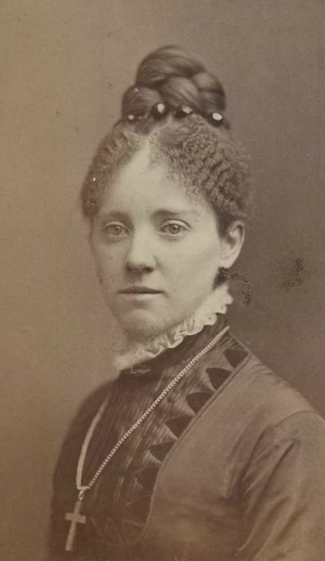 New Victorian Hairstyles A Short History In Photos Whizzpast Ideas With Pictures
