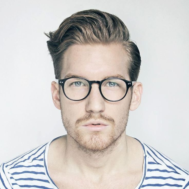New 22 Pictures That Prove Glasses Make Guys Look Obscenely Ideas With Pictures