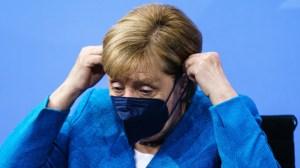 Меркел с пенсия 15 000 евро