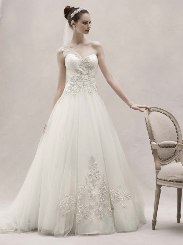 5 Favorite Wedding Dresses from Oleg Cassini  Spring 2012 Oleg Cassini