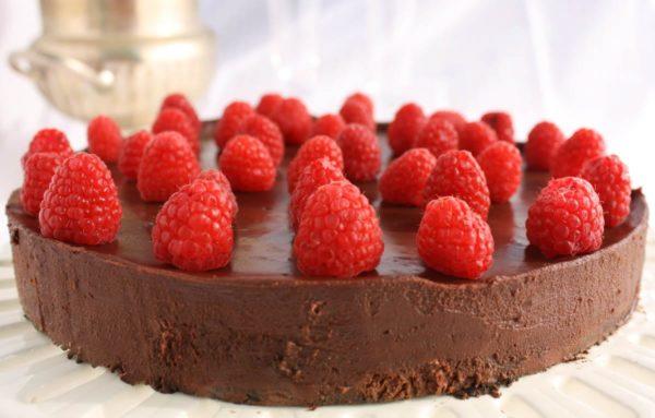 Gluten Free Dark Chocolate Flourless Cake | What a Girl Eats
