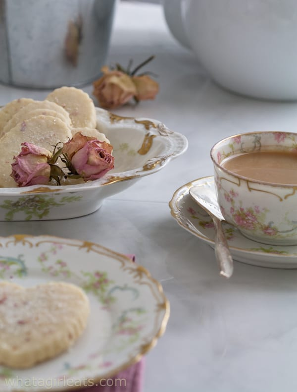 Rose-scented shortbread. Perfect for tea time!