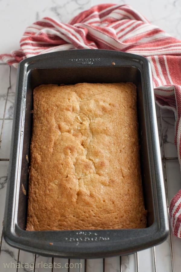 pound cake in tin