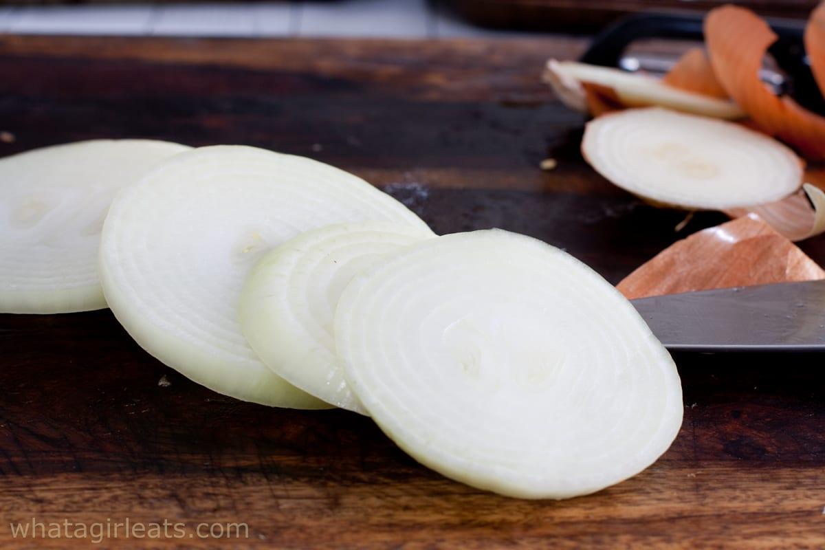 raw onion slices