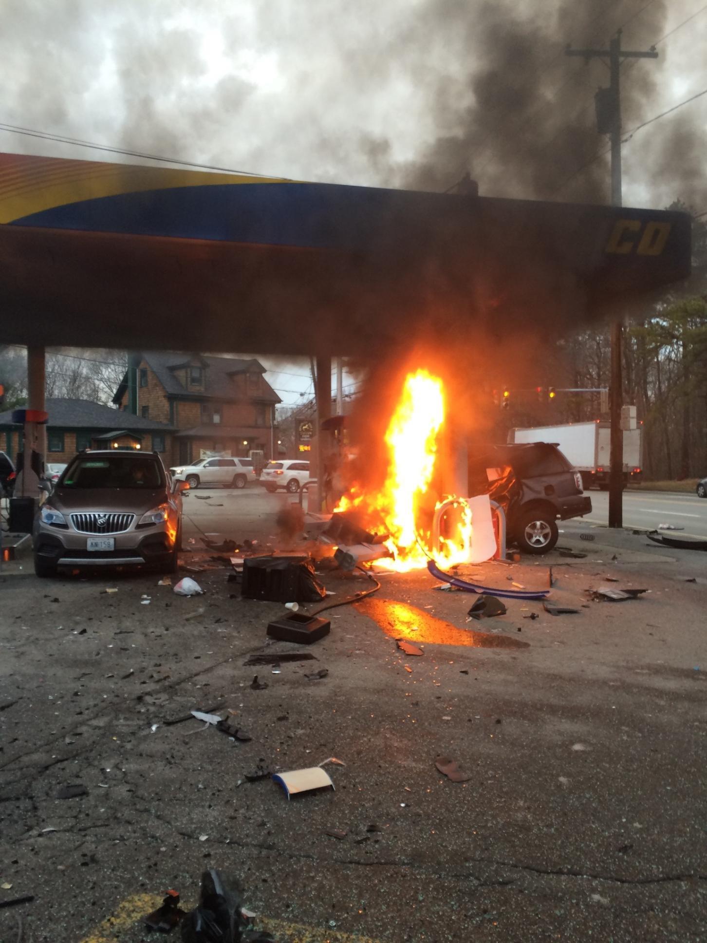 Update 2 Dead After Car Crash At Johnston Gas Station