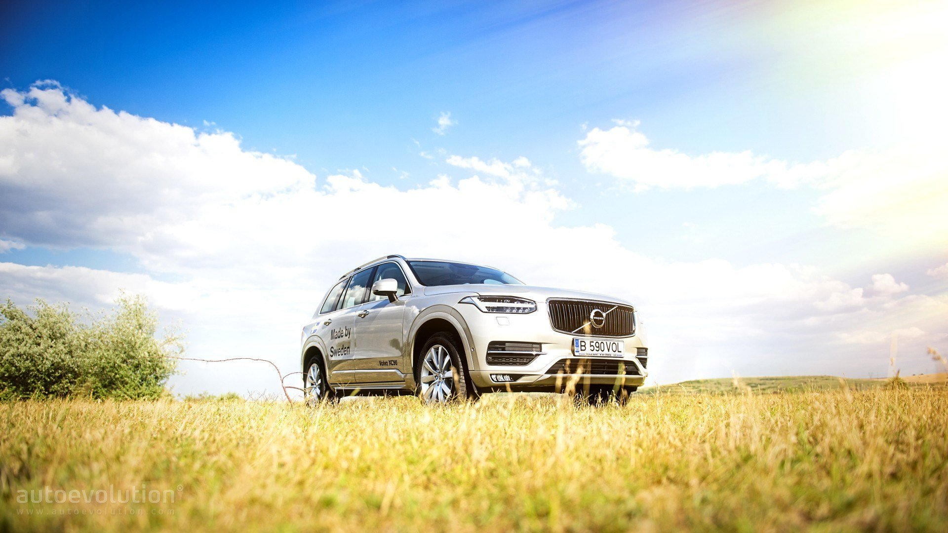 New 2016 Volvo Xc90 Hd Wallpapers Thor 2 Autoevolution On This Month