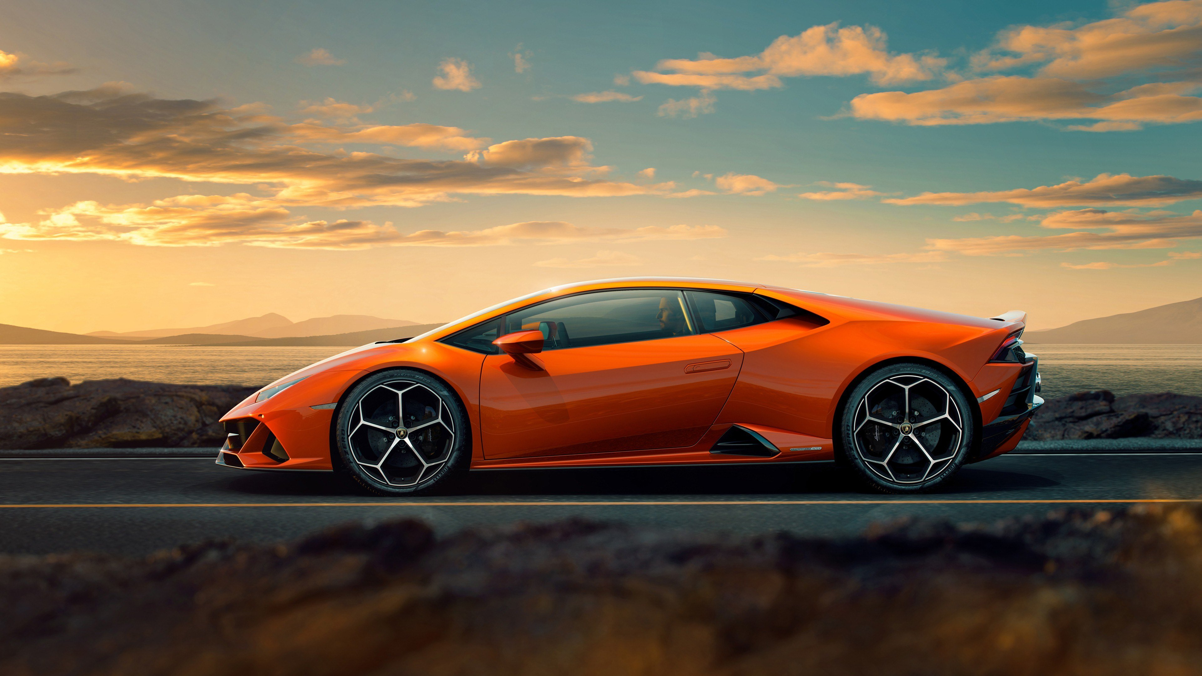 New 4K Photo Of 2019 Lamborghini Huracan Evo Car Hd Wallpapers On This Month
